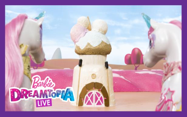 Building a Licorice Barn | Dreamtopia LIVE