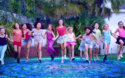 "Campamento Pop : Video musical de ""Voy a Brillar"""